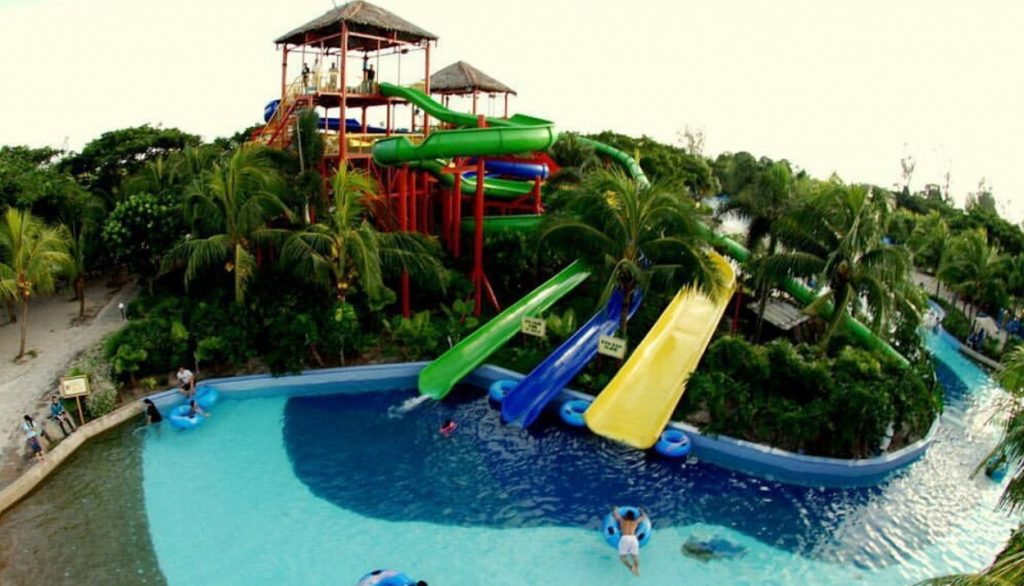 Pantai Cermin Waterpark dan Resort