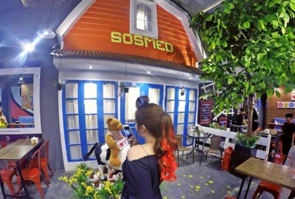 Sosmed Cafe