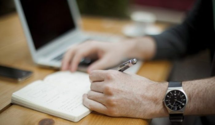Cara Menulis Cerpen dan 10 Contohnya